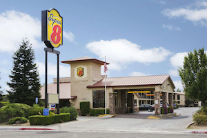 Discount hotels and attractions in Corning, California
