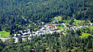 Discount hotels and attractions in Groveland, California