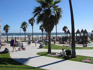 Discount hotels and attractions in Hawthorne, California