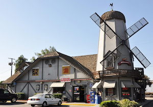 Discount hotels and attractions in Kingsburg, California