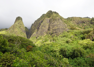 Discount hotels and attractions in Wailuku, Hawaii