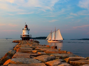 Discount hotels and attractions in South Portland, Maine