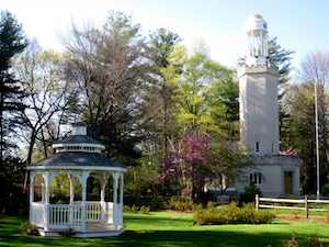 Discount hotels and attractions in Westfield, Massachusetts