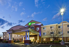 Discount hotels and attractions in Charlotte, Michigan