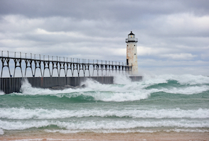 Discount hotels and attractions in Manistee, Michigan