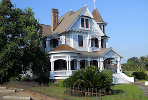 Discount hotels and attractions in Hazlehurst, Mississippi