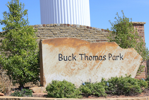 Discount hotels and attractions in Moore, Oklahoma