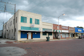 Discount hotels and attractions in Pauls Valley, Oklahoma
