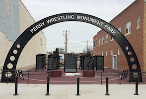 Discount hotels and attractions in Perry, Oklahoma