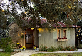 Discount hotels and attractions in Comfort, Texas
