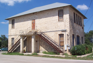 Discount hotels and attractions in Dripping Springs, Texas