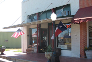 Discount hotels and attractions in Hubbard, Texas