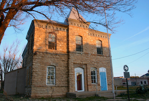 Discount hotels and attractions in Quanah, Texas