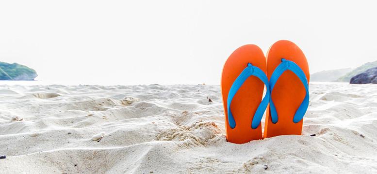 Three Small Classic California Beach Towns For Summer Getaways!