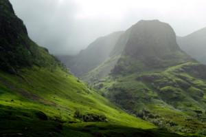 scottish-highlands-pass-at-glencoe
