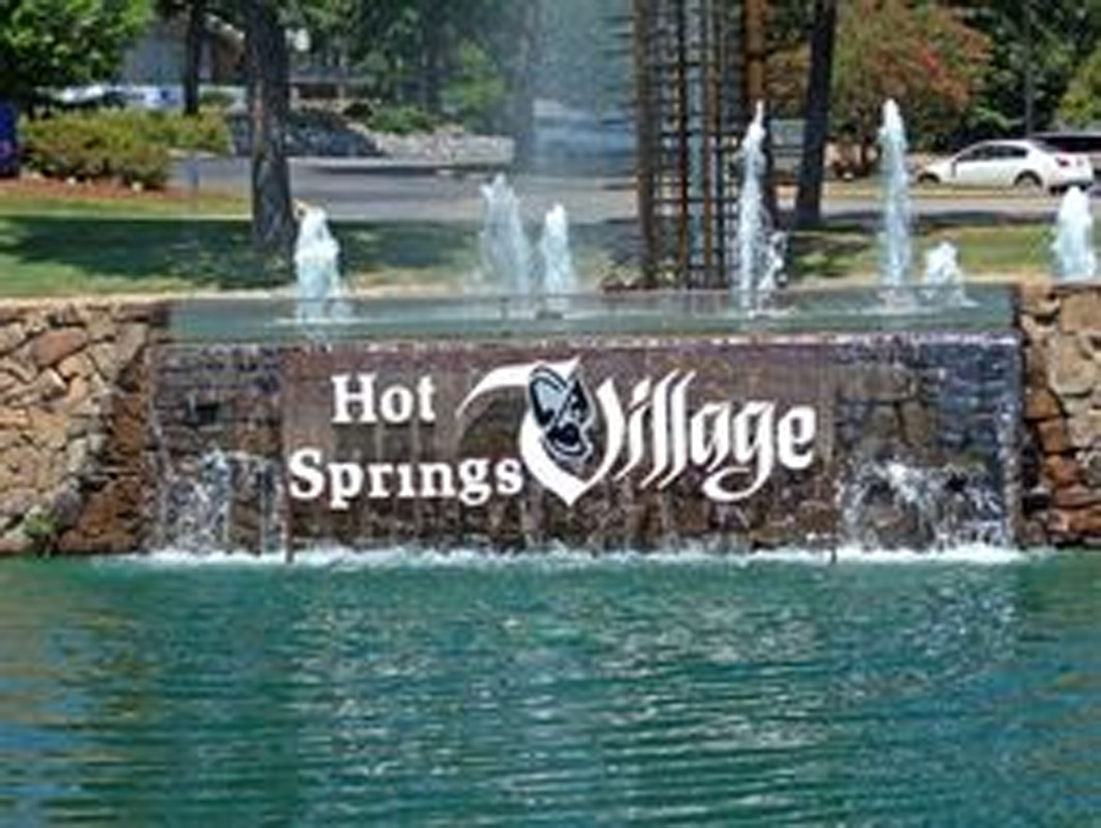 Discount hotels and attractions in Hot Springs Village,