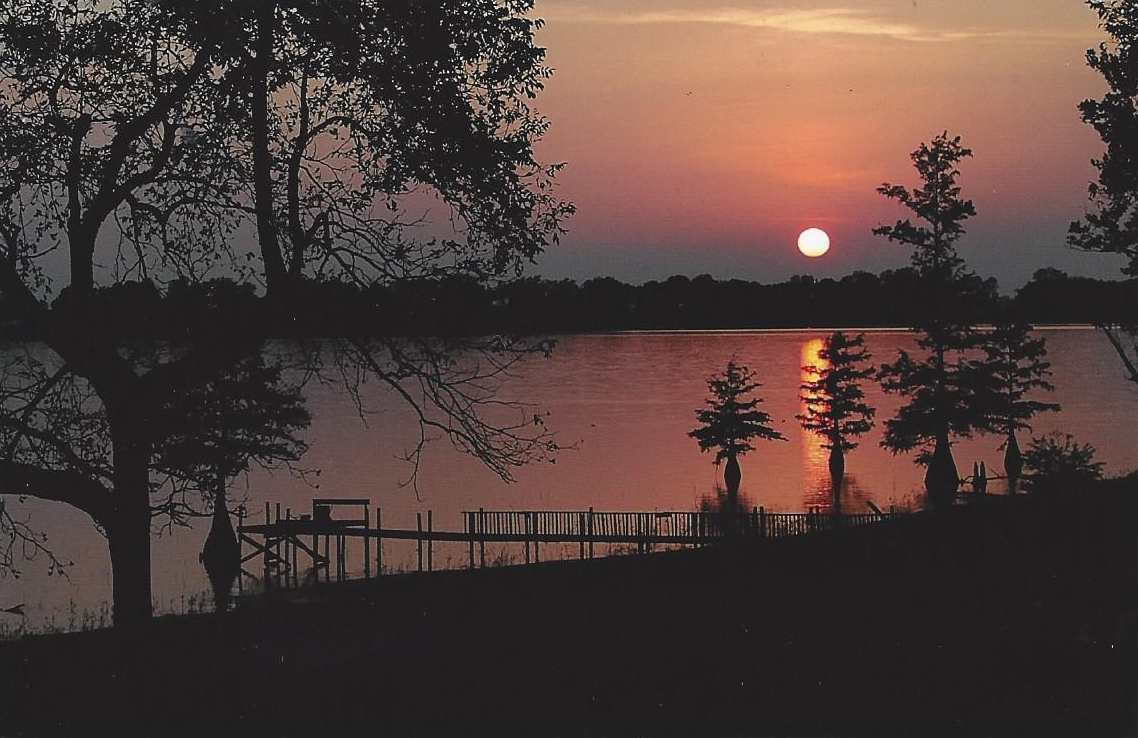 Discount hotels and attractions in Lake Village,
