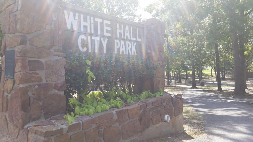 Discount hotels and attractions in White Hall,