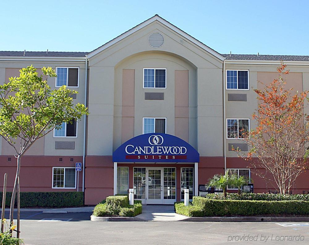 Hotel deals in East Irvine, California
