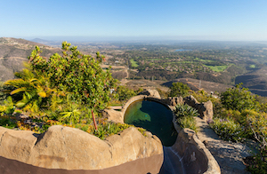 Discount hotels and attractions in Escondido, California