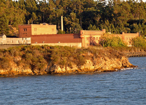 Discount hotels and attractions in Richmond, California