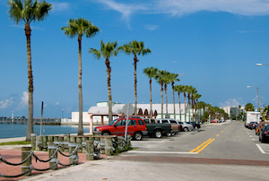 Discount hotels and attractions in Gulfport, Florida