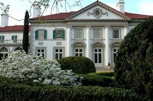Discount hotels and attractions in La Grange, Georgia