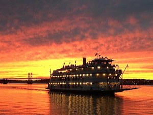 Discount hotels and attractions in Bettendorf, Iowa