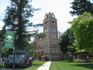 Cheap hotels in Forest City, Iowa