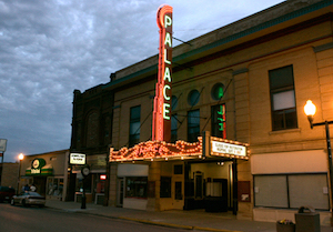 Discount hotels and attractions in Luverne, Minnesota