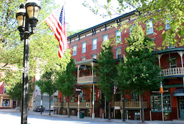 Discount hotels and attractions in Jim Thorpe, Pennsylvania